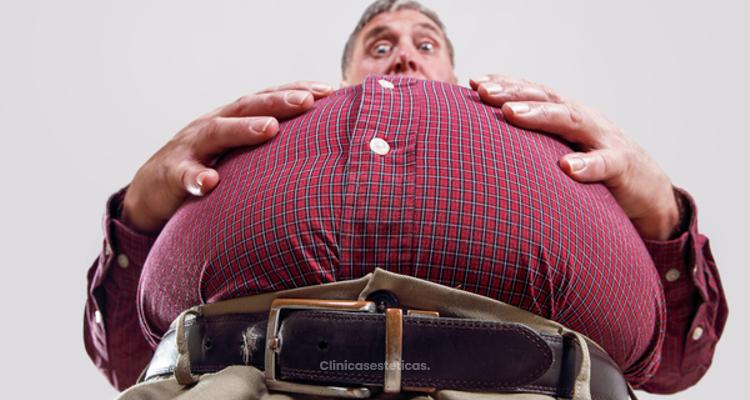 Evolucion de perdida de peso en pacientes obesos intervenidos